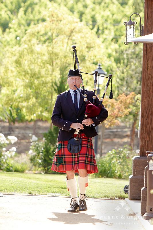 scottish wedding ceremony bagpipes