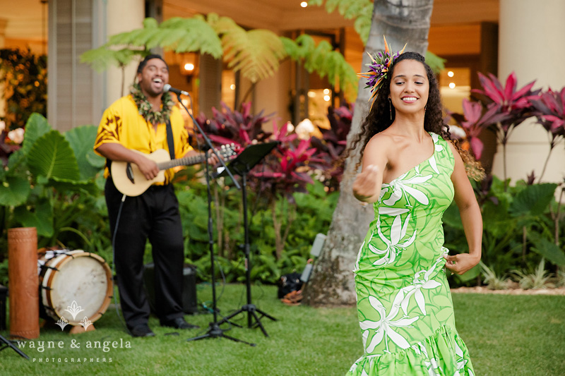 hawaiian wedding hula dancer