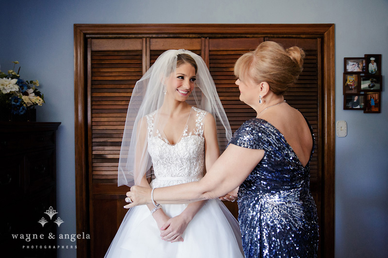 bride and mother wedding photos